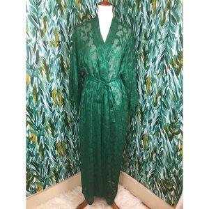 Victoria's Secret Woman's Medium Vintage Robe